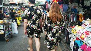 Hoi An - street fashion couples