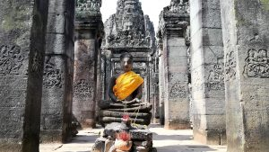 Angkor-Tom-Bayon-temple-Buddhist-shrine