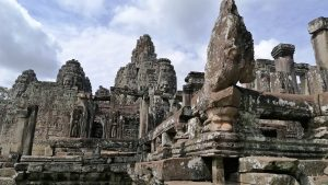 Angkor-Tom-Bayon-temple-external-gallery-
