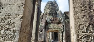 Angkor-Tom-Bayon-temple-first-gallery-entrance